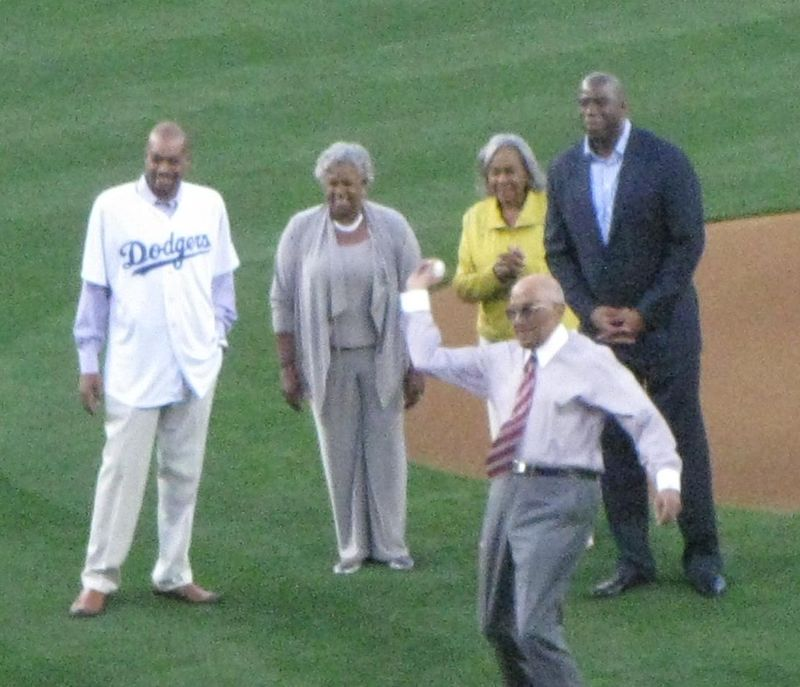Don-newcombe-first-pitch-rachel-robinson-magic-johnson
