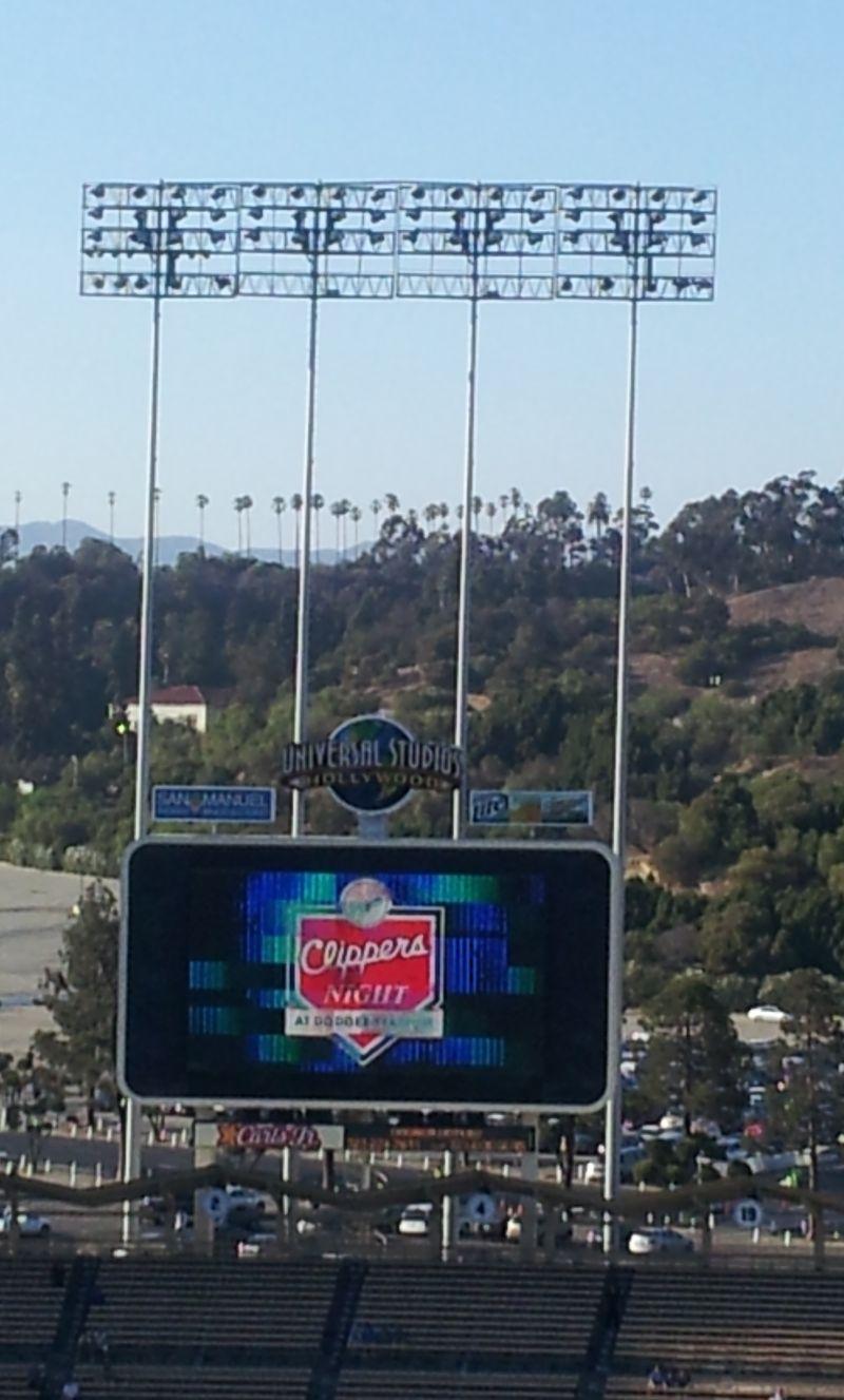 2012 Dodger Blog Clipper jumbo tron