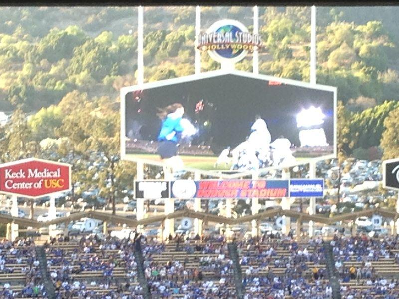 2013 Dodger Blog vs Phillies game - girls run through
