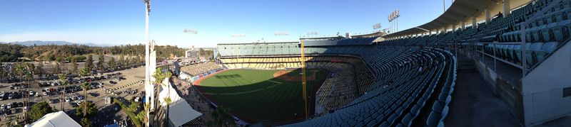 2013 Dodger Blog vs Philly game 2 LF reserve panorama pic 4