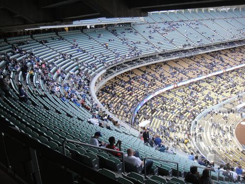 2013 Dodger Blog Rainy day no fans in stands vs rockes