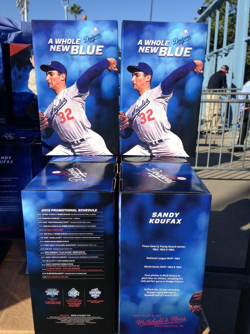2013 Dodger Blog vs Phillies  Koafax bh at gates