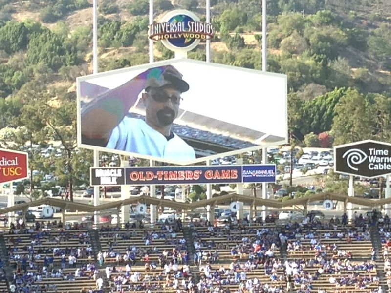 2013 Dodger Blog Old Timers Game pic 32 LA intro Ken tipping pic 3