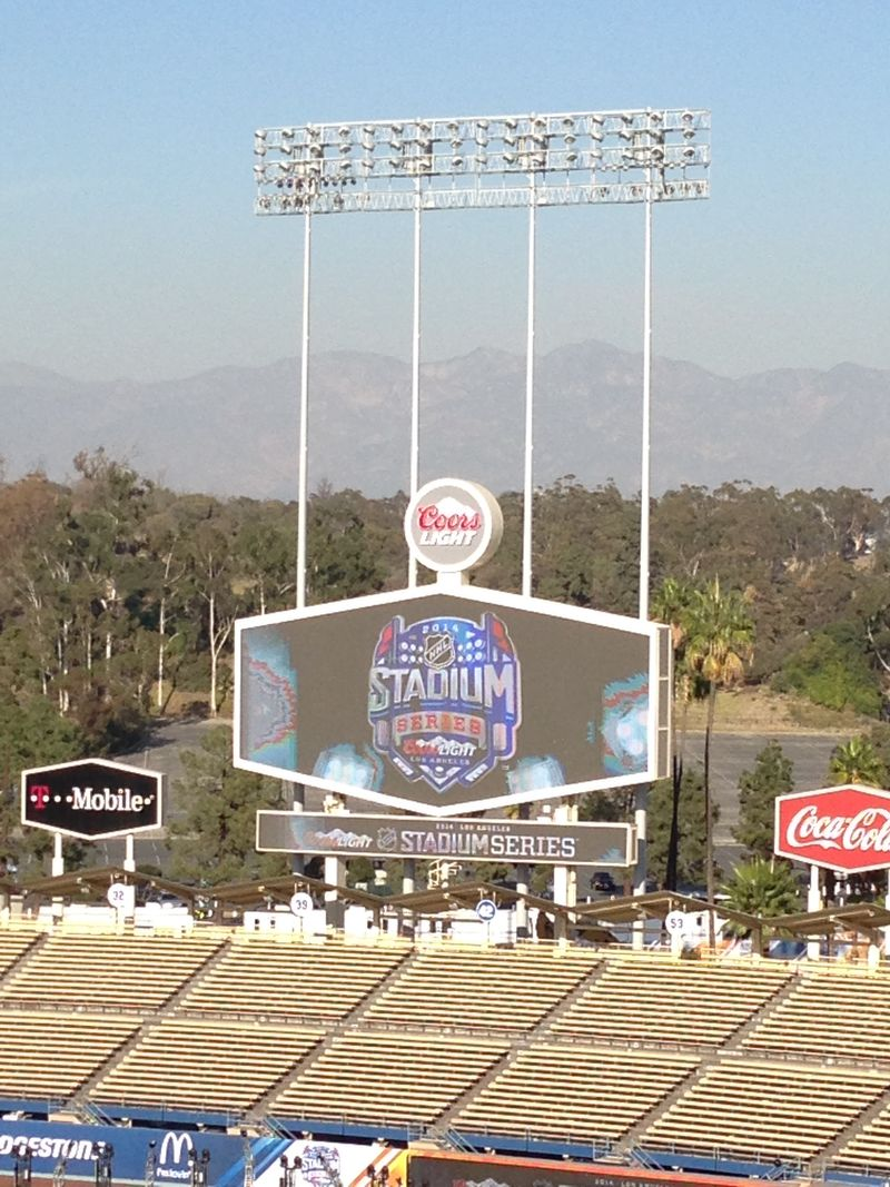 2014 Dodger Blog Stadium Series pic 7