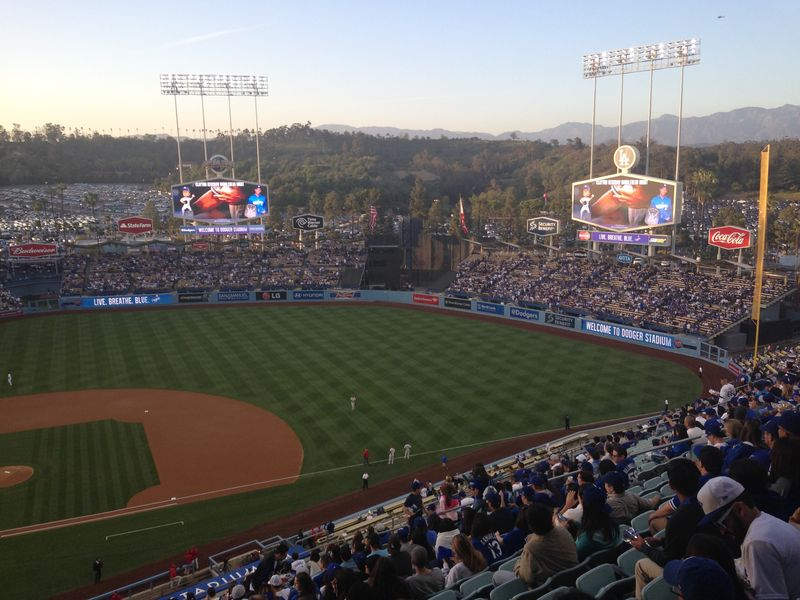2014 Dodger Blog vs Philly game 3 pic 7
