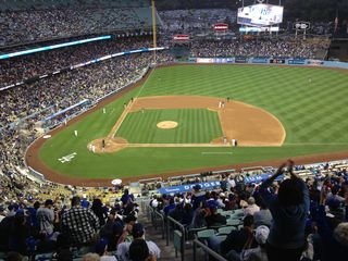 2014 Dodger Blog wave pic 2