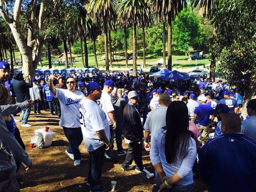 2015 Dodger Blog tail gate